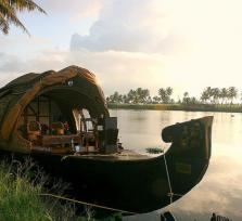 Houseboats & Backwaters of Kerala