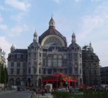 Join me for a historical tour in Antwerpen!