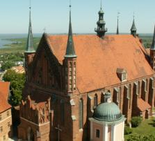 Private Frombork Tour: A town at the world's end ... and three cows on a gable...
