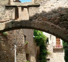 Girona Medieval towns and the Gala-Dali Museum in Pubol