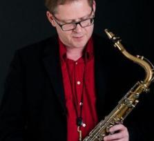 Triff mich und lerne die wunderbare Kunst des Saxophonspielens bei einem langjährigen Profi